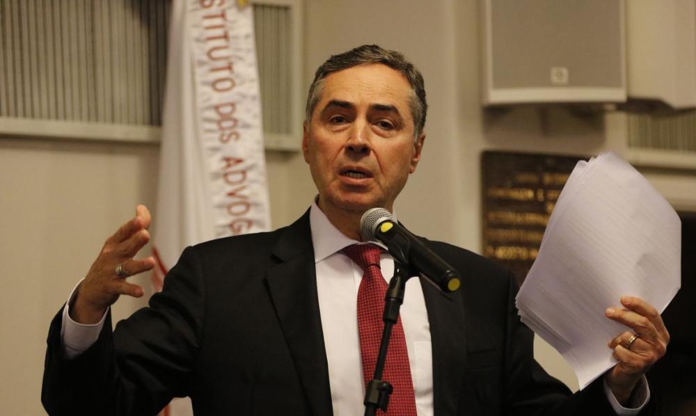 Covid-19: eleição municipal pode ser dividida em 2 dias, diz ministro
