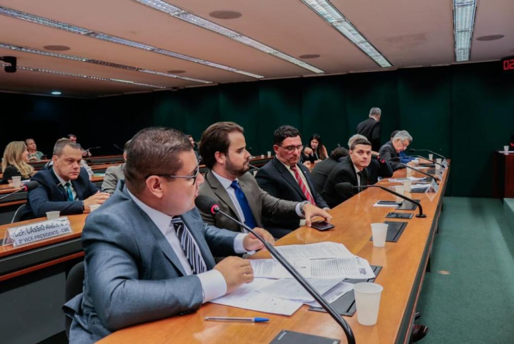 Deputados pedem à Aneel tarifa justa para consumidor paraense
