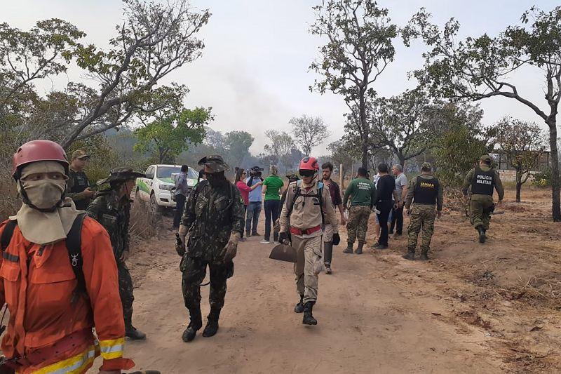 Bombeiros atuam no combate a novo foco de incêndio na região de Santarém