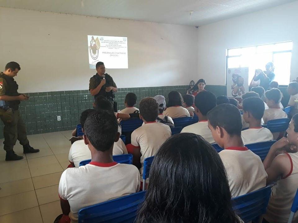 Proerd garante segurança e informações a estudantes da zona rural de Altamira